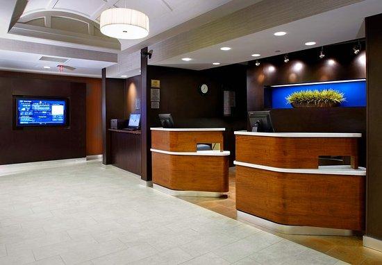 Newark, OH: Lobby