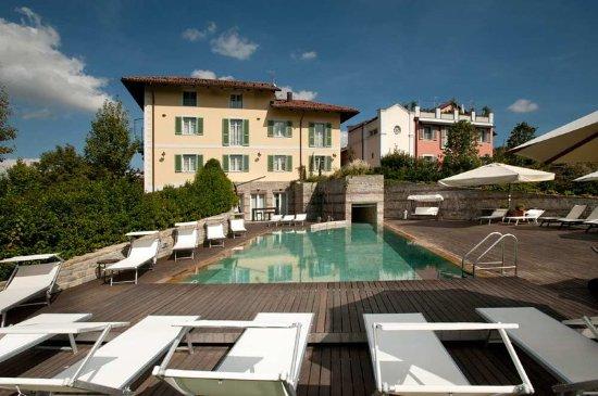 Benevello, إيطاليا: Pool