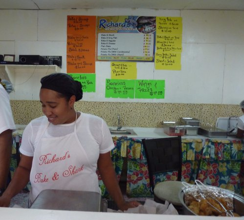 Maracas Bay, Trinidad: Beach food at it's best