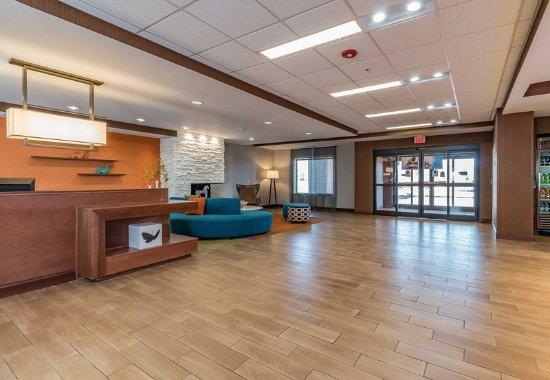 Elkhart, IN: Lobby