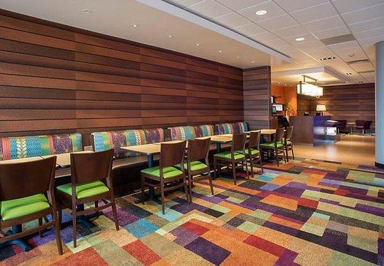 Fairfield Inn & Suites Tulsa Downtown: Restaurant