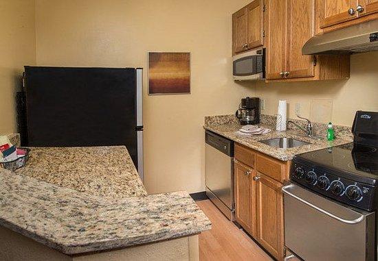 Glen Allen, VA: Guest room