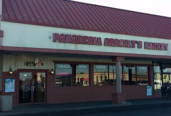 Villa Park, IL: front of & entrance to Aracely's Bakery