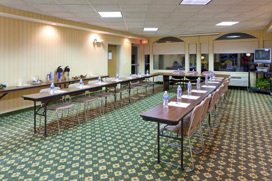 North Huntingdon, PA: Meeting room