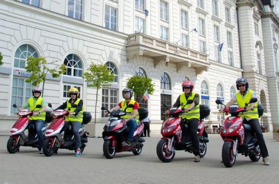 Private Tour: Warsaw City Highlights Scooter Tour