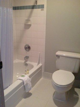 Shilo Inn Suites - Warrenton: Guest room amenity