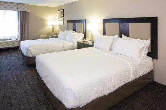 Holiday Inn Express St. Joseph: Guest room