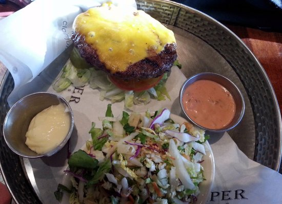 Claim Jumper Restaurants: classic cheeseburger with cole slaw
