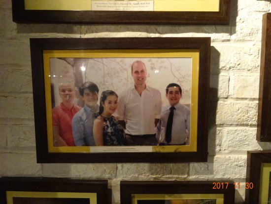 Cau Go Vietnamese Cuisine Restaurant: こんな方も来店