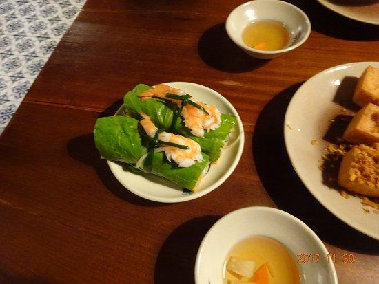 Cau Go Vietnamese Cuisine Restaurant: 生春巻き