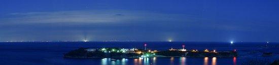 Tsushima, Japan: 海栗島(手前)と釜山の夜景(80㎜相当でパノラマ合成)