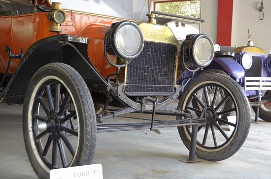 Auto World Vintage Car Museum: the Original Ford T Model, the historical car that set set the assembly lines rolling.