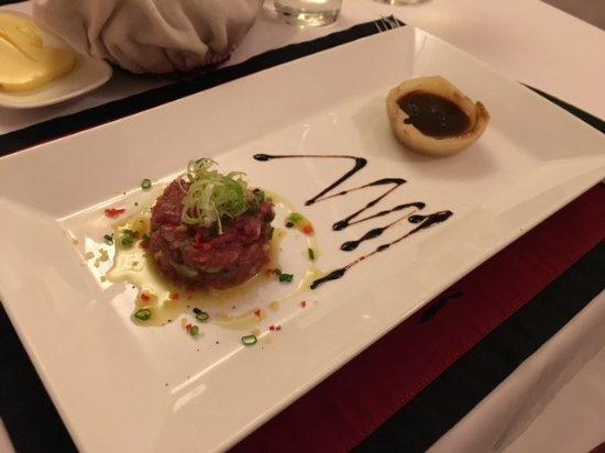 Trois Gourmands: 前菜:生牛肉