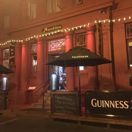 Te Aroha, Nouvelle-Zélande : Austins Bar and Bistro