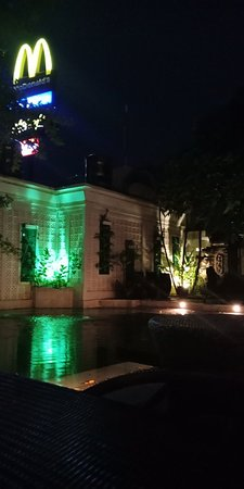 Maharani Beach Hotel: IMG20171202211428_large.jpg