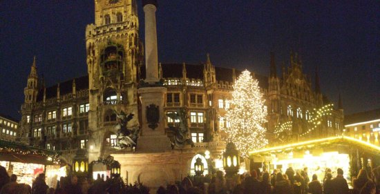 New Town Hall (Neus Rathaus): 20171205_170003_large.jpg