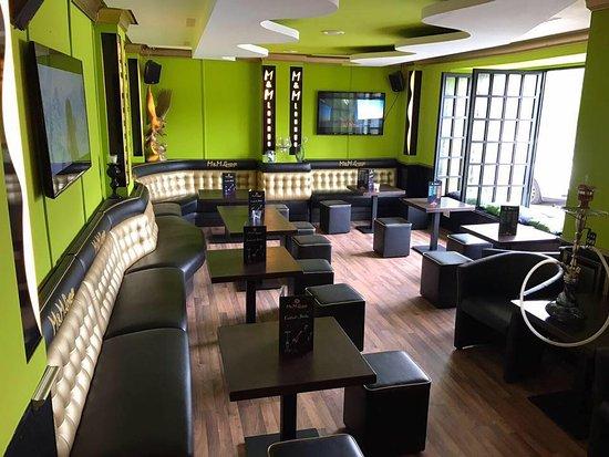 M&M Lounge