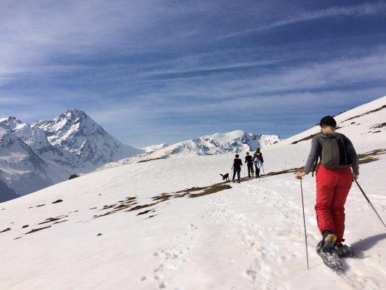 Pyrenees-Autrement: balade en raquettes du coté du du Grand Tourmalet et de La mongie