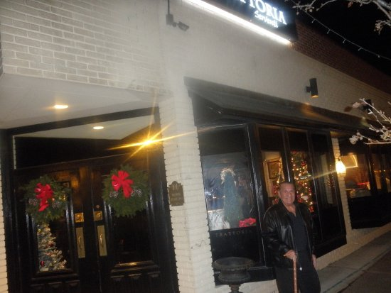Grosse Pointe Woods, MI: front of the restaurant...