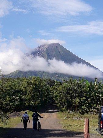 Hotel Villa Paraiso: El volcan