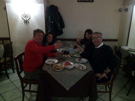 Statte, Italien: Pranzo ottimo e di qualità.