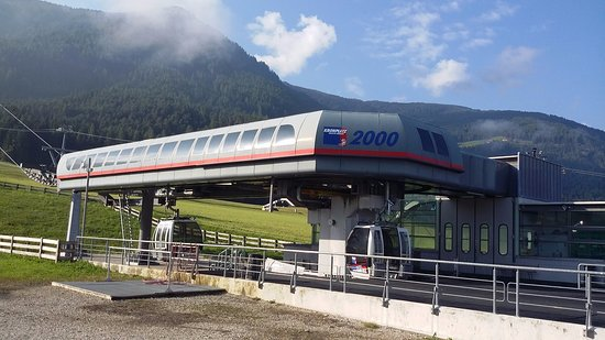 Brunico Kronplatz Turismo - Plan de Corones: 크론플라츠2000 케이블카 승강장