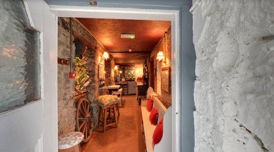 Finnegan's Wine Cellar Restaurant: The entrance of Finnegan's Restaurant & Wine Cellar
