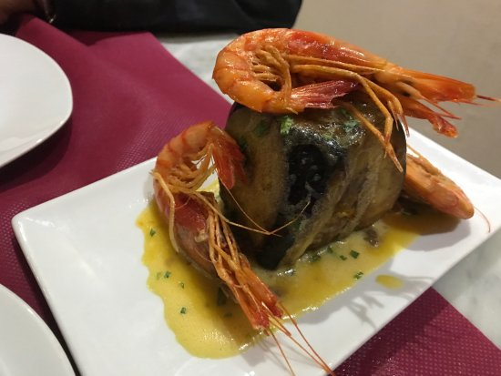 Riera29 restaurant: taco de berenjena con gamba roja... ñamm!