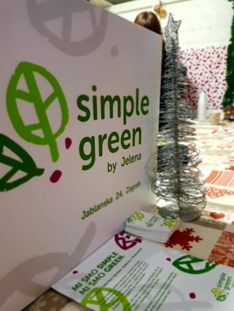 simple green vegan raw cuisine zagreb restaurant avis num ro de t l phone photos. Black Bedroom Furniture Sets. Home Design Ideas