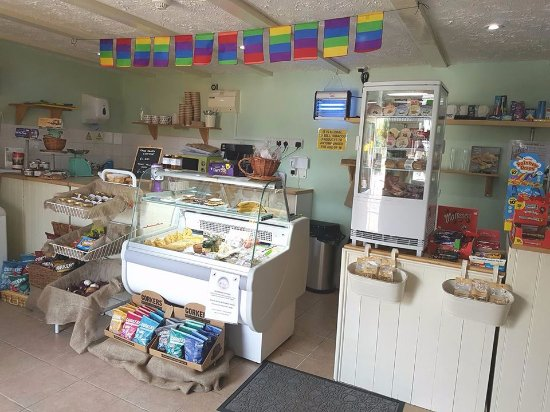 East Rudham, UK: Inside our little village shop!