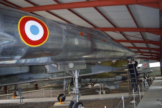 Musée Européen de l'Aviation de Chasse : Nouveau hangar Sud (Mirage IV, fraîchement redécoré)