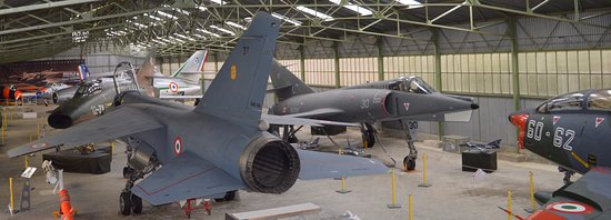 Musée Européen de l'Aviation de Chasse : Hangar Nord, des avions entièrement restaurés.