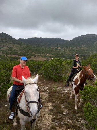 Bandera, TX: Horseback riding in Hill Country with Tawny of Outlaw Outfitters