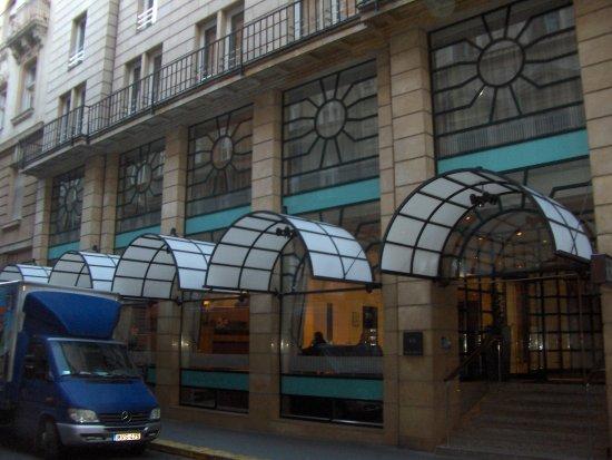 K+K Hotel Opera: The Entrance