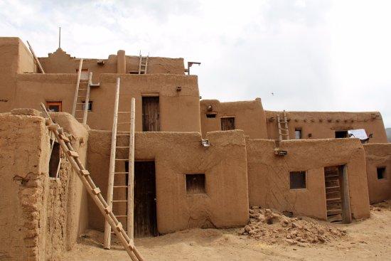 Taos Pueblo: Good View of a residence