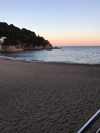 Tamariu, Spain: Sunset at the beach
