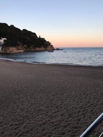 Tamariu, España: Sunset at the beach