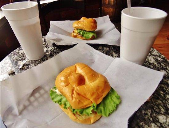 Waynesville, Kuzey Carolina: Sandwiches & tea.