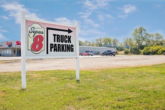 Maysville, KY: Truck Parking
