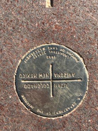 Teec Nos Pos, AZ: 4 Corners Monument