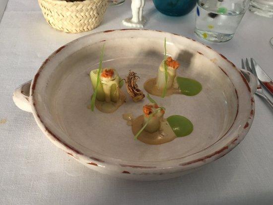 Caimari, Espanha: Lauch mit Seealgen.