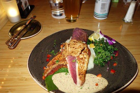 Lahaina Fish Co : Beautiful tuna