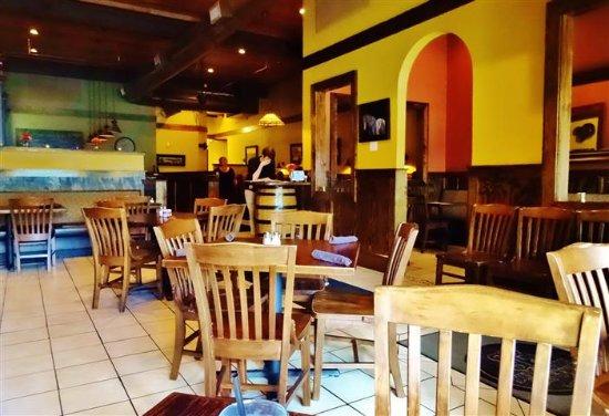 Waynesville, Karolina Północna: Interior dining area.