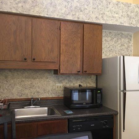 Cloverleaf Suites Lincoln Nebraska: photo1.jpg