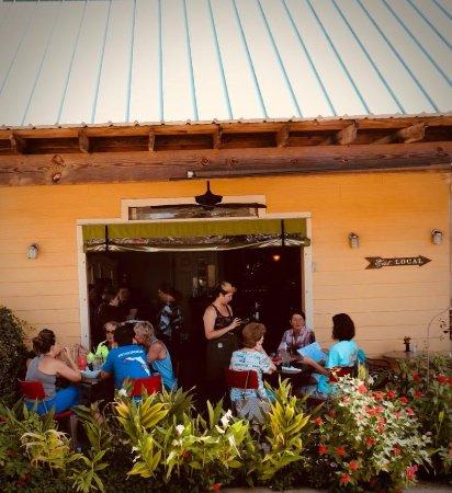 Sebring, FL: Garden view patio