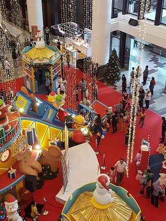 Berjaya Times Square : getting ready for chrismas