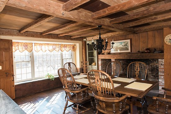 Bristol, RI: The charming dining area at North Pasture