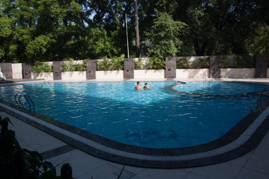 Shivalik view updated 2018 hotel reviews price - Chandigarh hotel with swimming pool ...