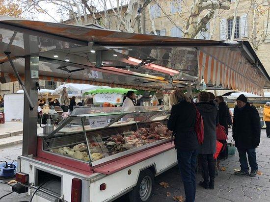 Uzes, Francia: marché 2