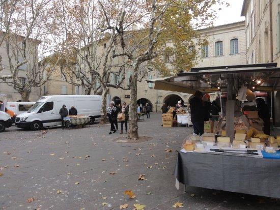Uzes, Francia: marché 3